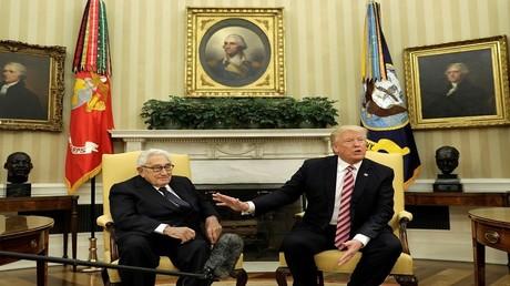 الرئيس الأمريكي دونالد ترامب -  وزير الخارجية الأسبق هنري كيسنجر