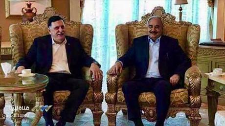 المشير خليفة حفتر وفايز السراج في ابوظبي