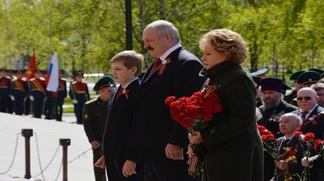 لوكاشينكو الأب والأبن في زيارة الى روسيا