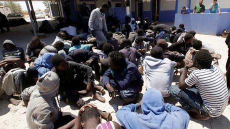 مهاجرون غير شرعيين تم إنقاذهم قبالة السواحل الليبية