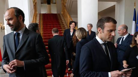 الرئيس الفرنسي الجديد إيمانويل ماكرون ورئيس الحكومة  إدوارد فيليب