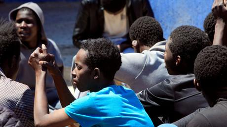 مهاجرون تم إنقاذهم قبالة السواحل الليبية
