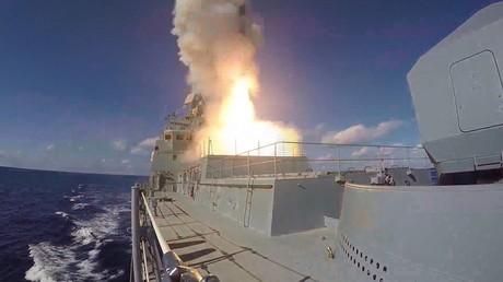 """الأرشيف، إطلاق صواريخ من فرقاطة """"الأميرال غريغوروفيتش""""، 15 نوفمبر 2016"""