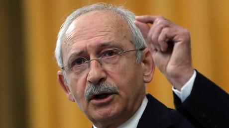 رئيس حزب الشعب الجمهوري التركي المعارض كمال كيليتشدار أوغلو