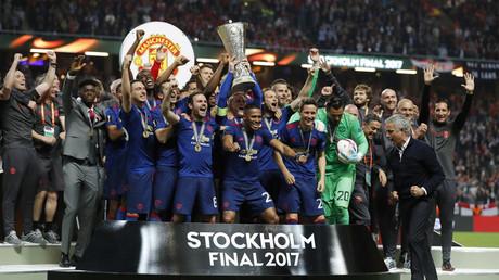 مانشستر يونايتد يتوج بلقب الدوري الأوروبي لكرة القدم