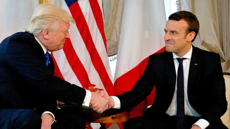 أول لقاء بين الرئيسين الفرنسي إيمانويل ماكرون والأمريكي دونالد ترامب