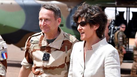 وزيرة الدفاع الفرنسية سيلفي غولار