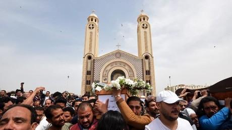 تشييع ضحايا إحدى الهجمات ضد الأقباط
