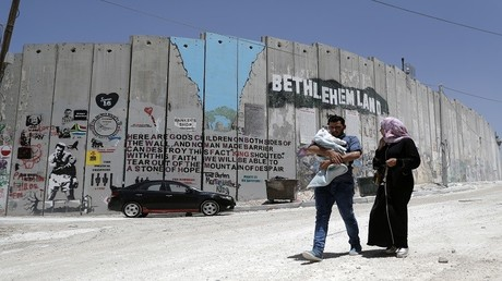 جدار الفصل الإسرائيلي فى مدينة بيت لحم بالضفة الغربية فى 15 مايو عام 2017