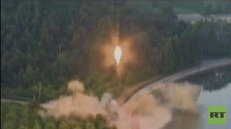 كوريا الشمالية تجري تجربة صاروخية
