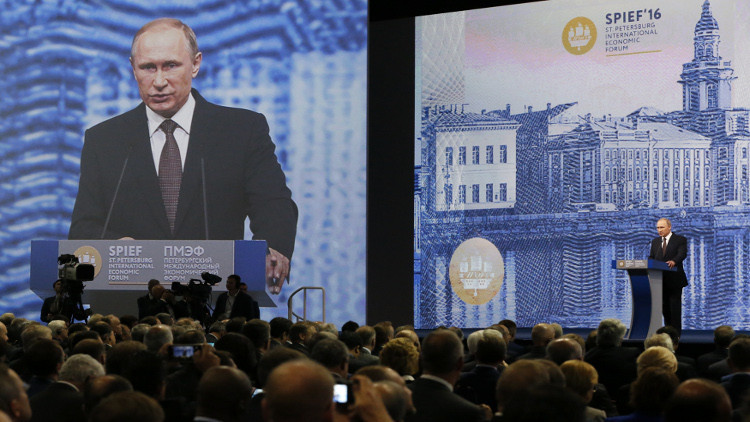 بوتين يعلّق آمالا كبيرة على منتدى بطرسبورغ الاقتصادي