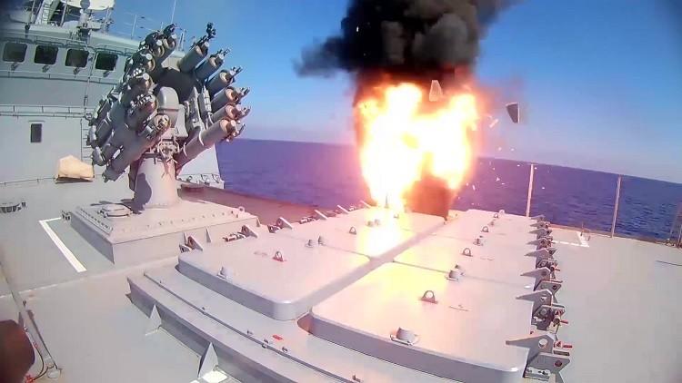 الأسطول الحربي الروسي يزيد تواجده في المتوسط إلى 15 سفينة
