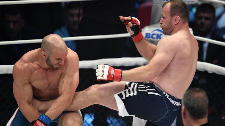بالفيديو.. مقاتل روسي يكتسح منافسه الأمريكي في 25 ثانية