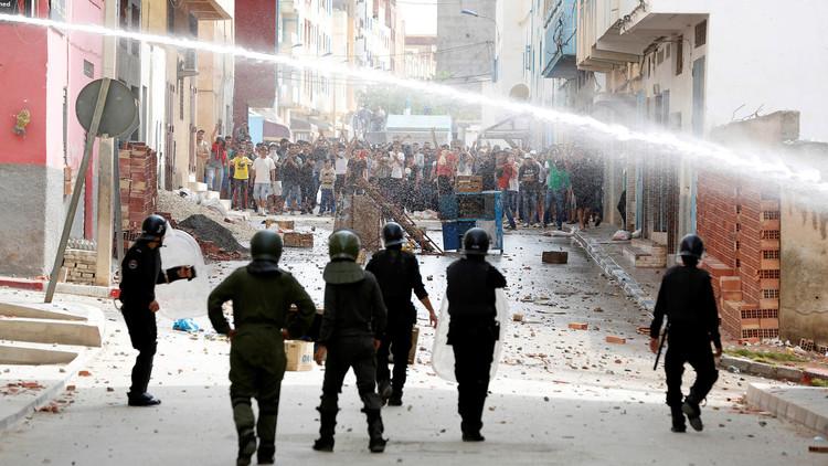 اشتباكات بين الشرطة ومحتجين في بلدة إمزورن شمال المغرب
