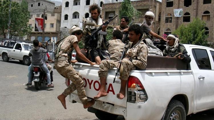الجيش اليمني يقترب من قصر الرئاسة في تعز