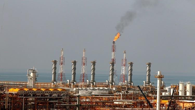 بلومبرغ تكشف عن سبب النزاع بين السعودية وقطر