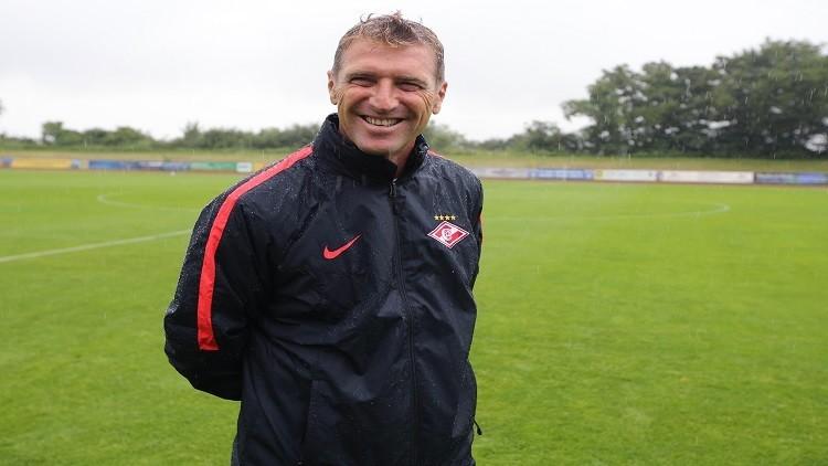 سبارتاك موسكو يمدد عقد مدربه حتى 2019
