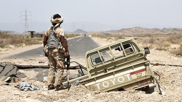 قتيلان و3 جرحى في هجوم استهدف موكبا أمنيا في أبين اليمنية