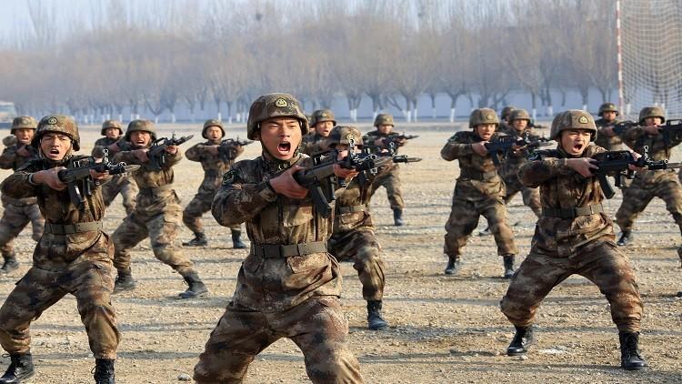 الصين تزيد نفقاتها العسكرية وتخطط لبناء قواعد جديدة في الخارج