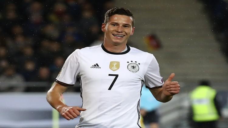 لوف يختار كابتن ألمانيا في كأس القارات 2017