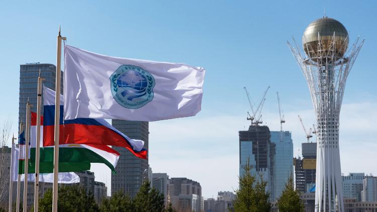 بوتين يصل إلى أستانا للمشاركة في قمة منظمة شنغهاي للتعاون
