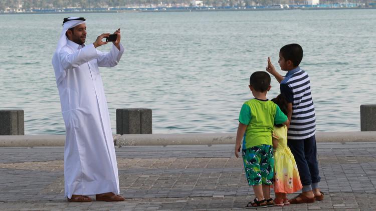 قطر تقف أمام خيارين واضحين
