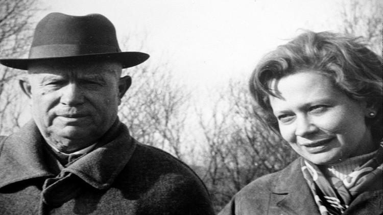حفيدة الزعيم السوفيتي خروشوف تلقى حتفها في موسكو