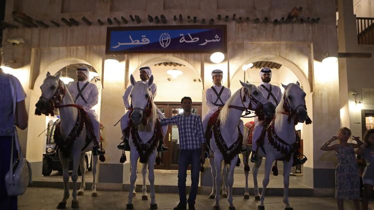 الحكومة القطرية تدعو قاطنيها إلى التحلي بالمسؤولية