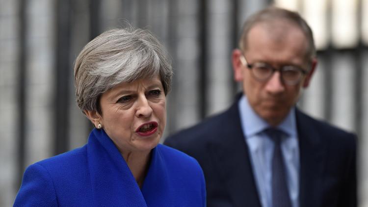 تيريزا ماي تعلن عزمها تشكيل الحكومة البريطانية الجديدة