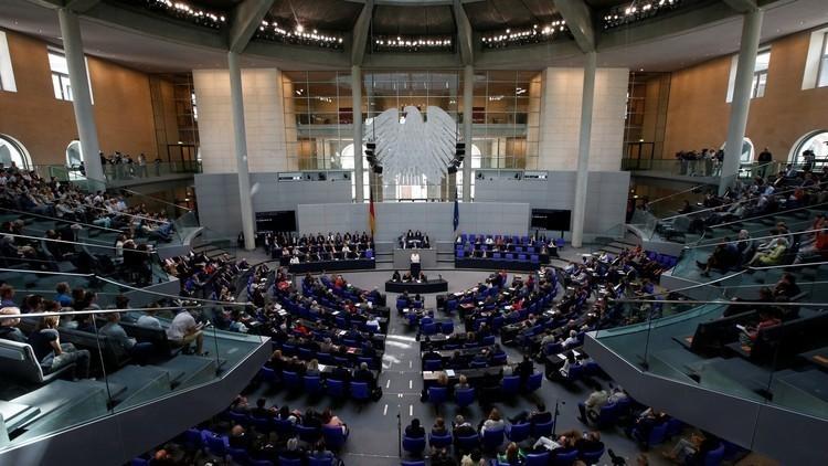 ألمانيا للإيرانيين: لا تصبوا الزيت على النار