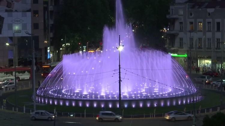 افتتاح نافورة موسيقية راقصة وسط العاصمة الصربية