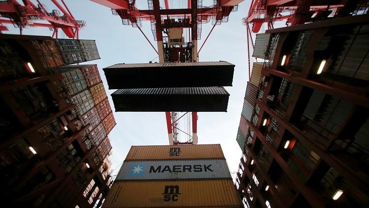 رابع أكبر شركة ملاحة في العالم تعلق رحلاتها إلى قطر