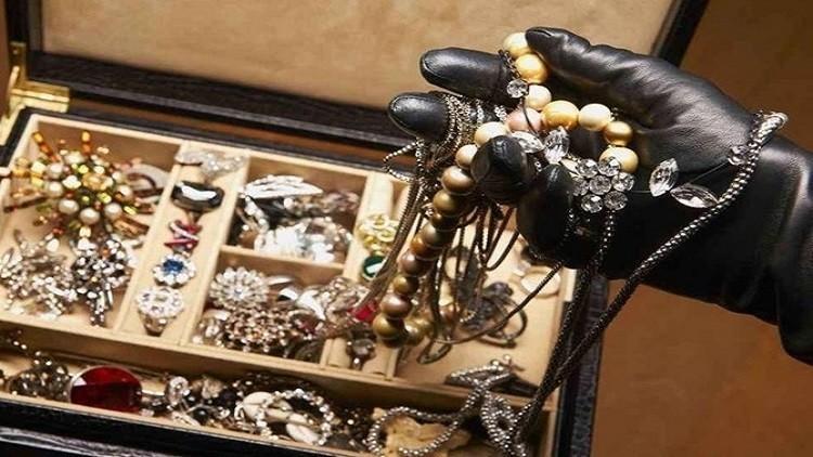سرقة مجوهرات بقيمة 2 مليون يورو في باريس بطريقة غريبة