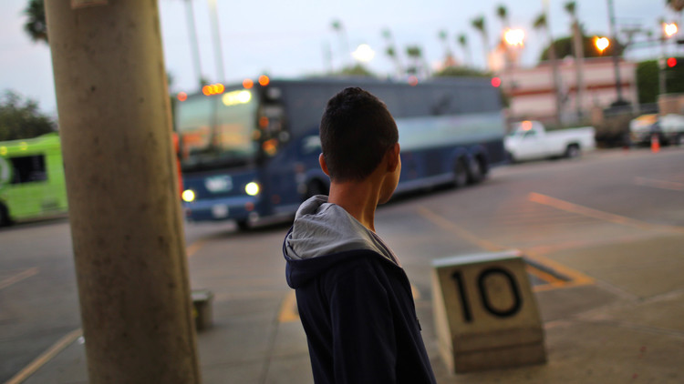 غضب المحافظين الأمريكيين من استقبال ترامب لمئات المهاجرين