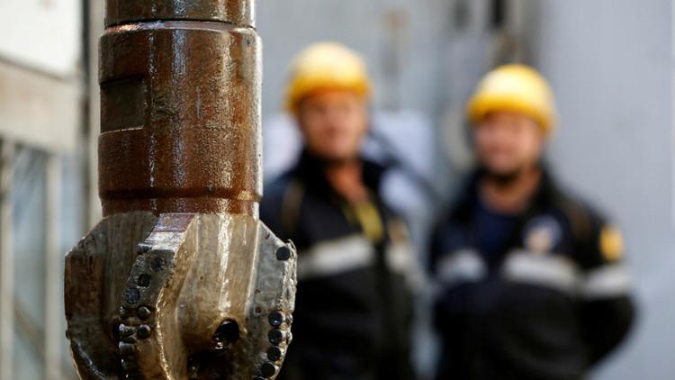 روسيا تتربع على عرش مصدري النفط والغاز