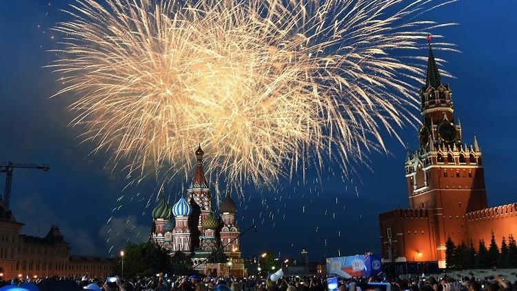 الخارجية الأمريكية تبرر رفضها تهنئة روسيا بعيدها!