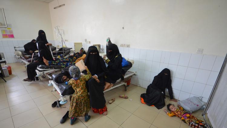عدد ضحايا الكوليرا في اليمن يقترب من 1000