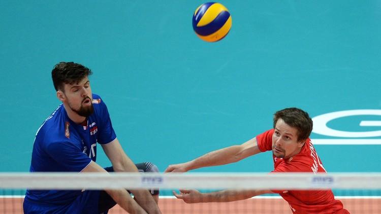 روسيا تفوز على بولندا في الدوري العالمي بالكرة الطائرة