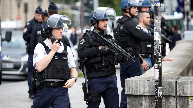 اعتقال ضابط فرنسي سرب معلومات للمغرب