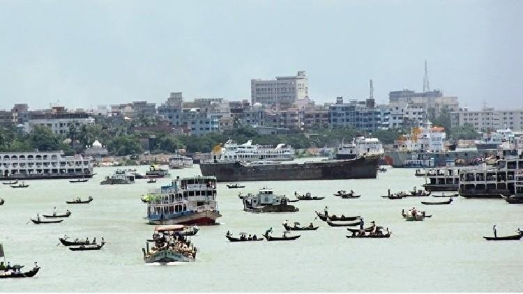 أربعة قتلى وإجلاء المئات جراء انزلاق للتربة في بنغلاديش
