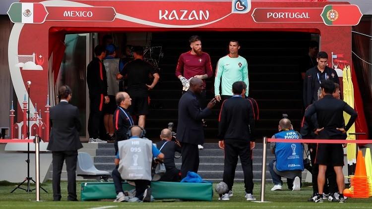 """كأس القارات.. """"دقيقة صمت"""" قبل لقاء البرتغال والمكسيك"""