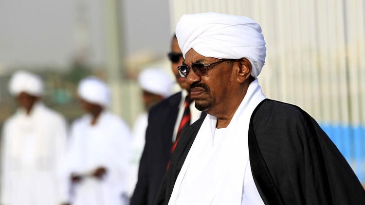 البشير يتوجه إلى الرياض لإصلاح ذات البين