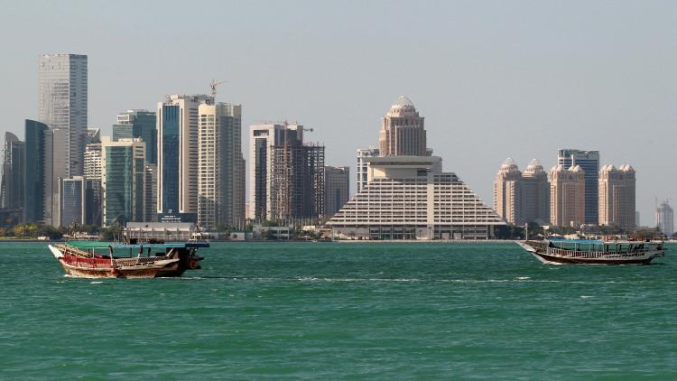 الإمارات تتوقع عزل قطر سنوات.. وعُمان ترى الحل قريبا