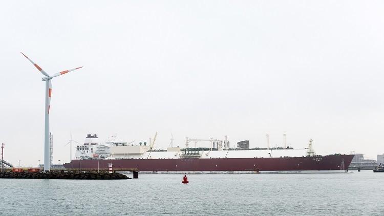 تراجع صادرات النفط السعودي بعد السحب من مخزوناتها