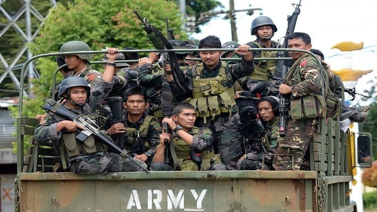 الفلبين: انسحاب مسلحين من مدرسة اقتحموها دون إصابات