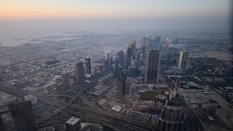 الخليج يستعد لفرض ضريبة في ظل الأزمة