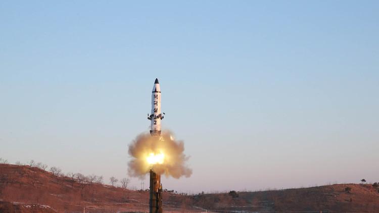 كوريا الشمالية تجري اختبارا جديدا لمحرك صاروخي