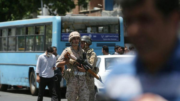 طهران: اعتقال خلية مرتبطة بتنظيم