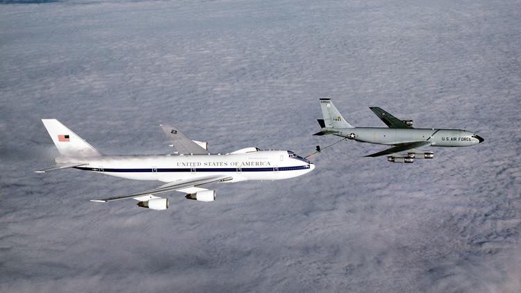 طائرتان أمريكيتان مضادتان للأسلحة النووية تتضرران في إعصار