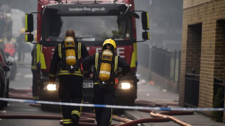 حريق في مبنى سكني شرق لندن